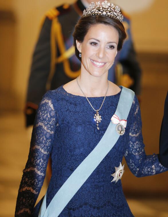 DANSK SKJØNNHET: Prinsesse Marie brukte 520 000 kroner på klær i fjor. Her er hun avbildet i forbindelse med dronning Margrethe sin 75-årsdag. Foto: Lise Åserud / NTB scanpix