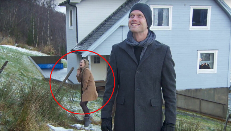 FLAUSE: Da Cecilie Lynum og Hallgeir Kvadsheim beslkte en «Luksusfellen»-deltaker på Nordvestlandet i en tidligere sesong, fikk førstnevnte et ublidt møte med et sauegjerde.  Foto: TV3