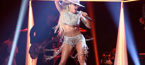Stylisten limte fast trusa til Lady Gagas underliv