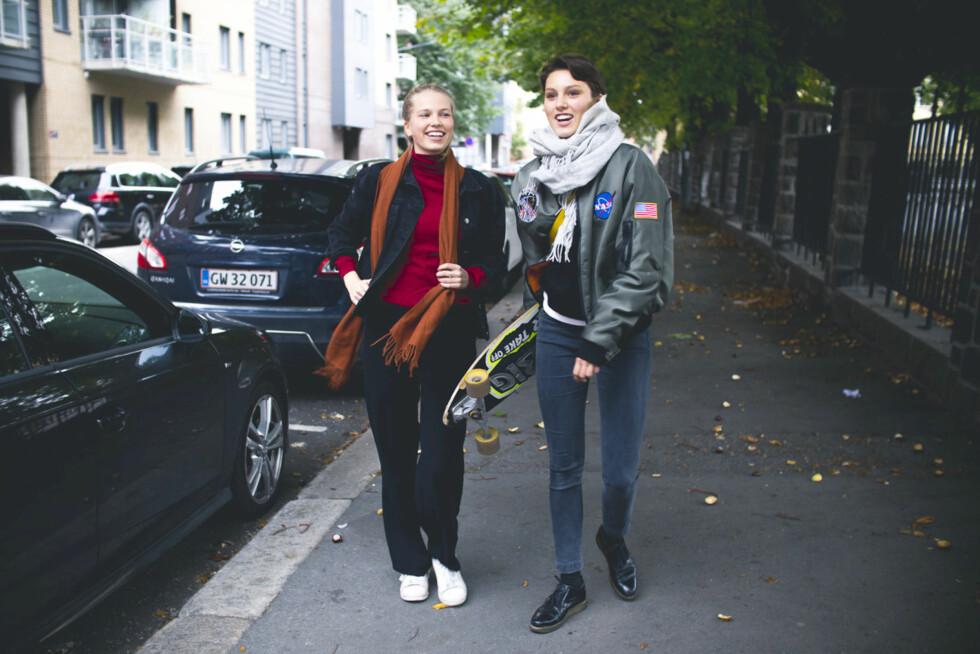 INTENS INNSPILLING: I «Apologize»-videoen formilder Thea Sofie Loch Næss og Ruby Dagnall at kjærlighet er kjærlighet, uavhengig av hvem man forelsker seg i.  Foto: Magnus Kloster Borka-Jensen