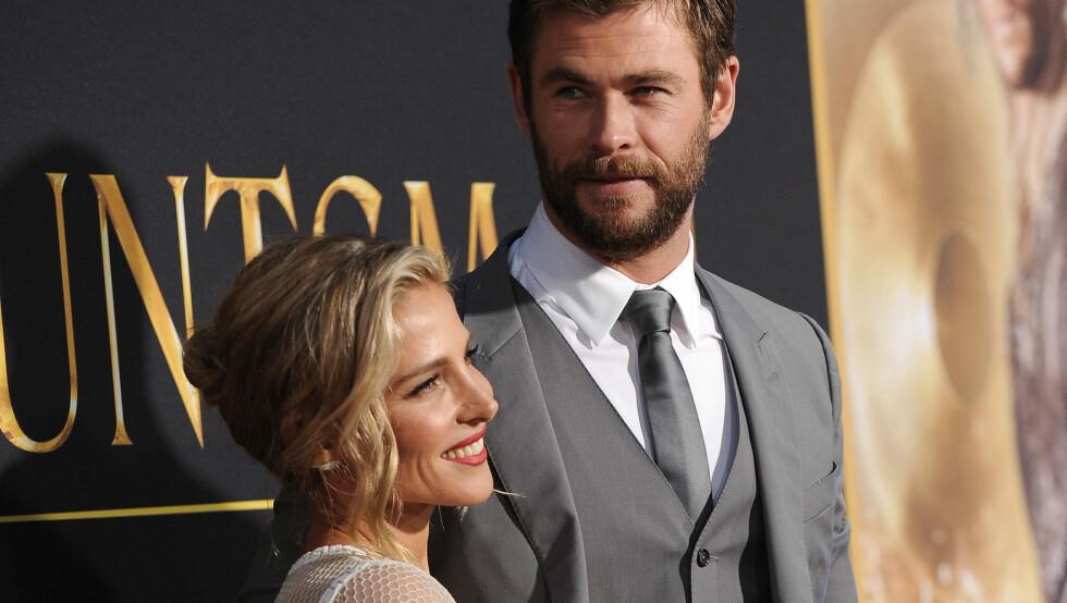 <strong>SLÅR TILBAKE:</strong> Chris Hemsworth og kona Elsa Pataky har sett set lei av at de spekuleres i om de skal skilles. Derfor slår de tilbake mot ryktene på Instagram.  Foto: Pa Photos