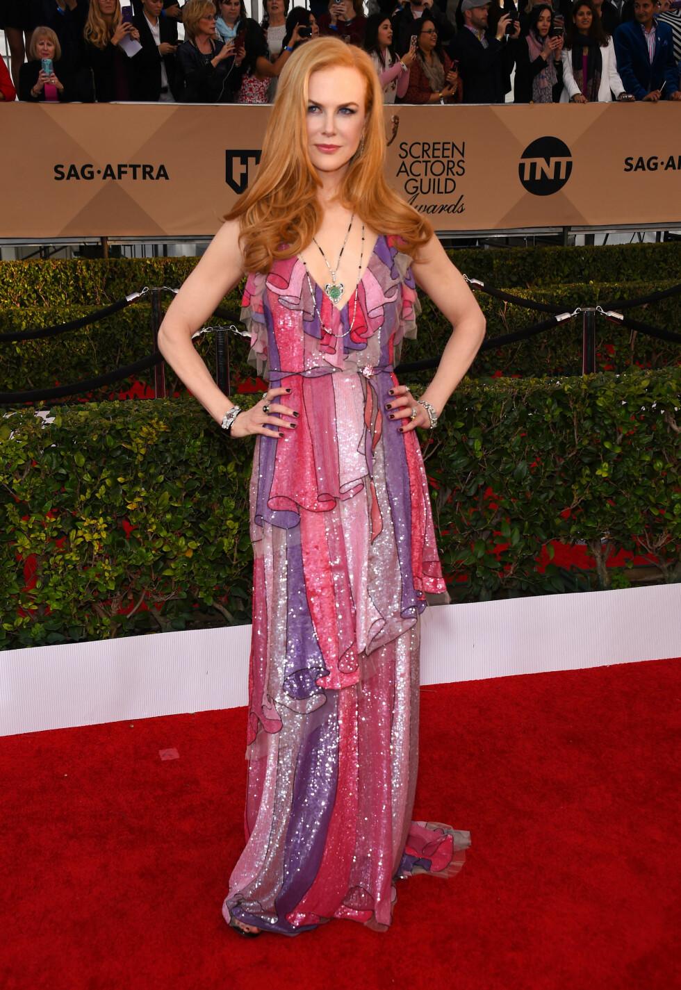 FARGEKLATT: Nicole Kidman så helt fantastisk ut i en fargerik, fotsid kreasjon.  Foto: Pa Photos