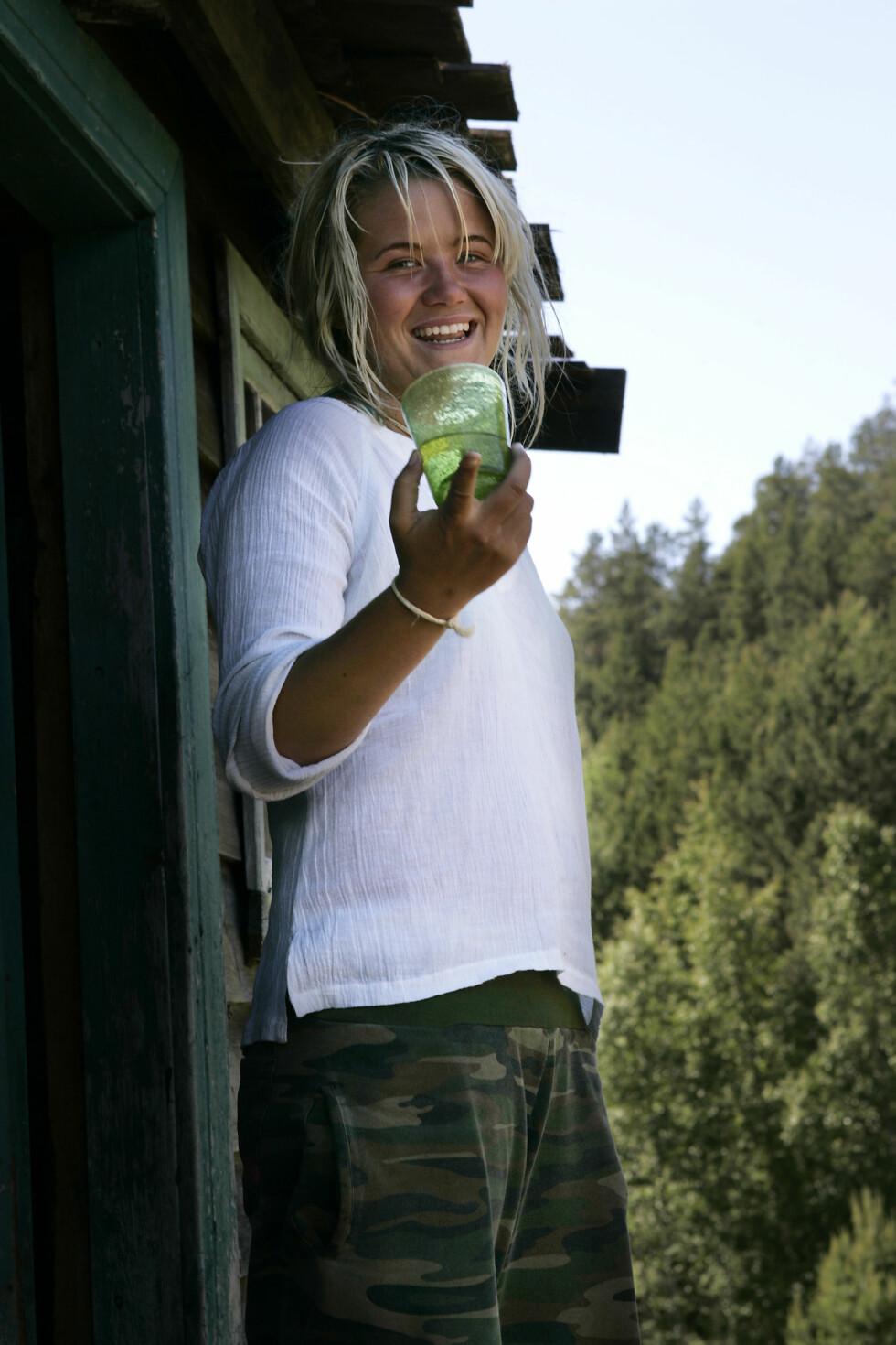 I 2004: Det er ikke sikkert at alle husker Live Nelviks deltakelse i «Farmen». De siste årene har hun derimot blitt kjent som en av NRKs fremste radio- og TV-profiler.  Foto: NTB scanpix