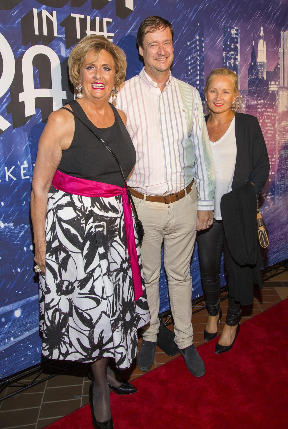 John Christian Elden med kona Sol og eks-ordfører Turid Drevland Foto: Tor Lindseth