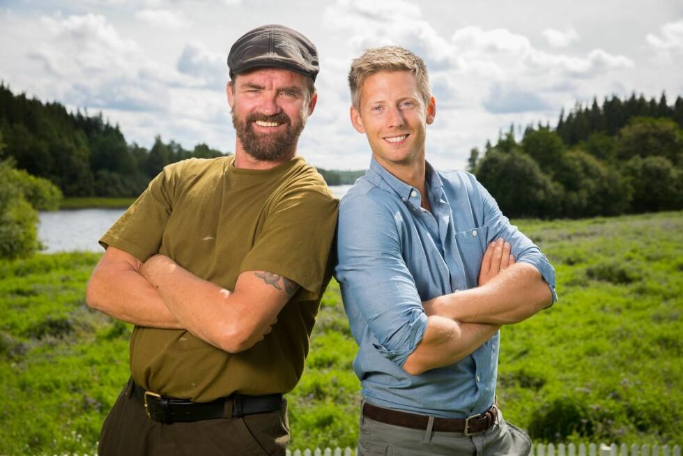 KONKURRANSEINSTINKT: Lasse Bergseter, her avbildet sammen med programleder Gaute Grøtta Grav, er tydelig på at han vil gjøre det meste for å vinne. Foto: Espen Solli/ TV 2