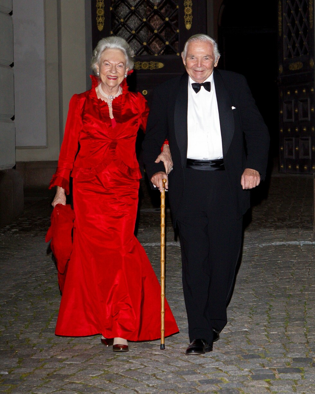 GIKK BORT: Torsdag ble det kjent at dronning Sonjas bror, Haakon Haraldsen, har gått bort. Her er han sammen med kona Lis. Foto: Andreas Fadum, Se og Hør