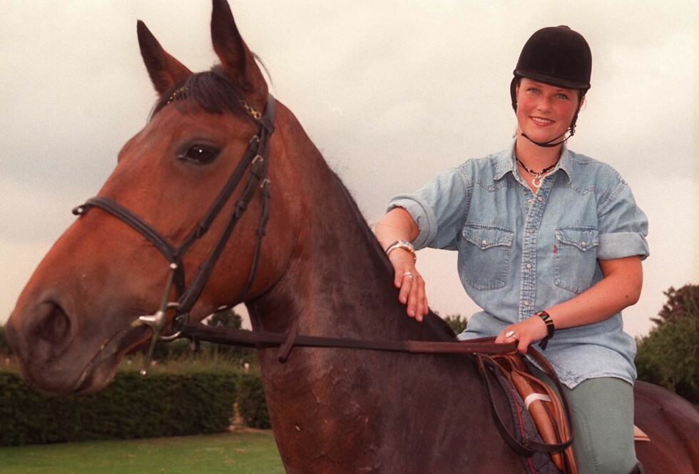 PROFF: Prinsessen begynte å ri allerede som åtteåring. Her er hun fotografert i 1996, på heten Midnight Bay.  Foto: NTB scanpix