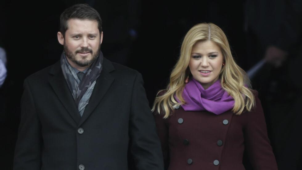 VIL IKKE BLI GRAVID IGJEN: Kelly Clarkson avslører at hun ga ektemannen Brandon Blackstock beskjed om å sterilisere seg etter at hun ble gravid for annen gang. Foto: Ap