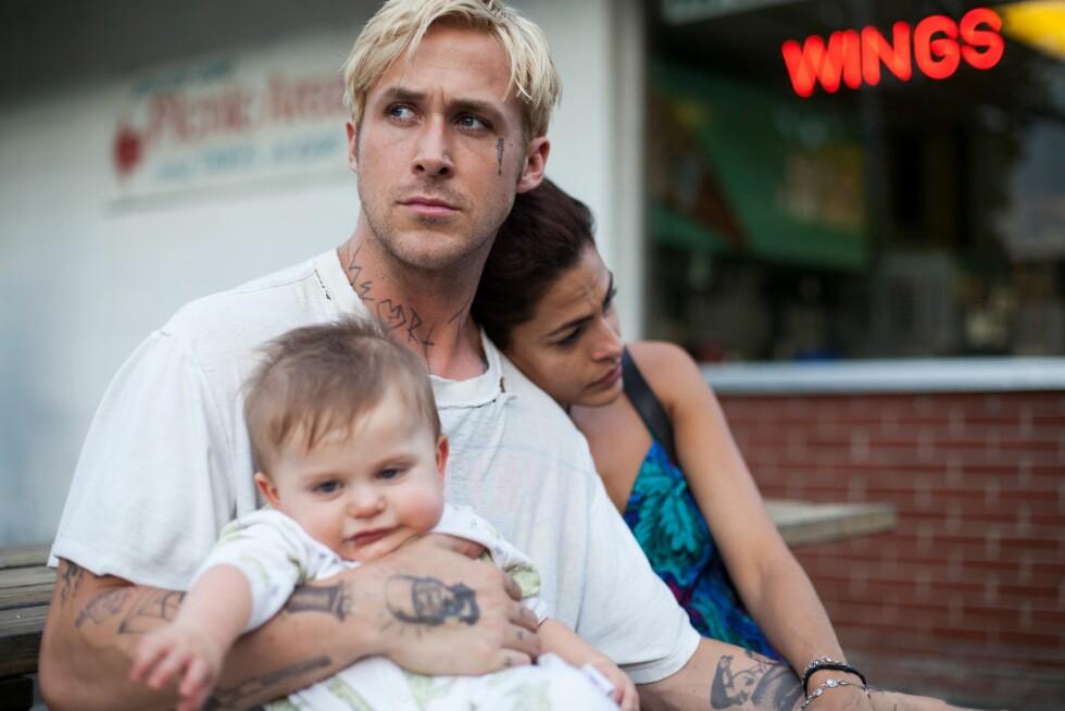 <strong>FILM BLE VIRKELIGHET:</strong> I 2012 spilte Gosling og Mendes mot hverandre i dramaet &amp;amp;amp;amp;amp;quot;The Place Beyond the Pines&amp;amp;amp;amp;amp;quot;. I filmen fikk de en liten sønn sammen, mens de i virkeligheten nå har to døtre.  Foto: FOCUS FEATURES / Album