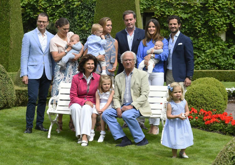 <strong>STOR FAMILIE:</strong> Kong Carl Gustaf og dronning Silvia har på kun noen få år blitt besteforeldre til fem små sjarmtroll.  Foto: Aftonbladet