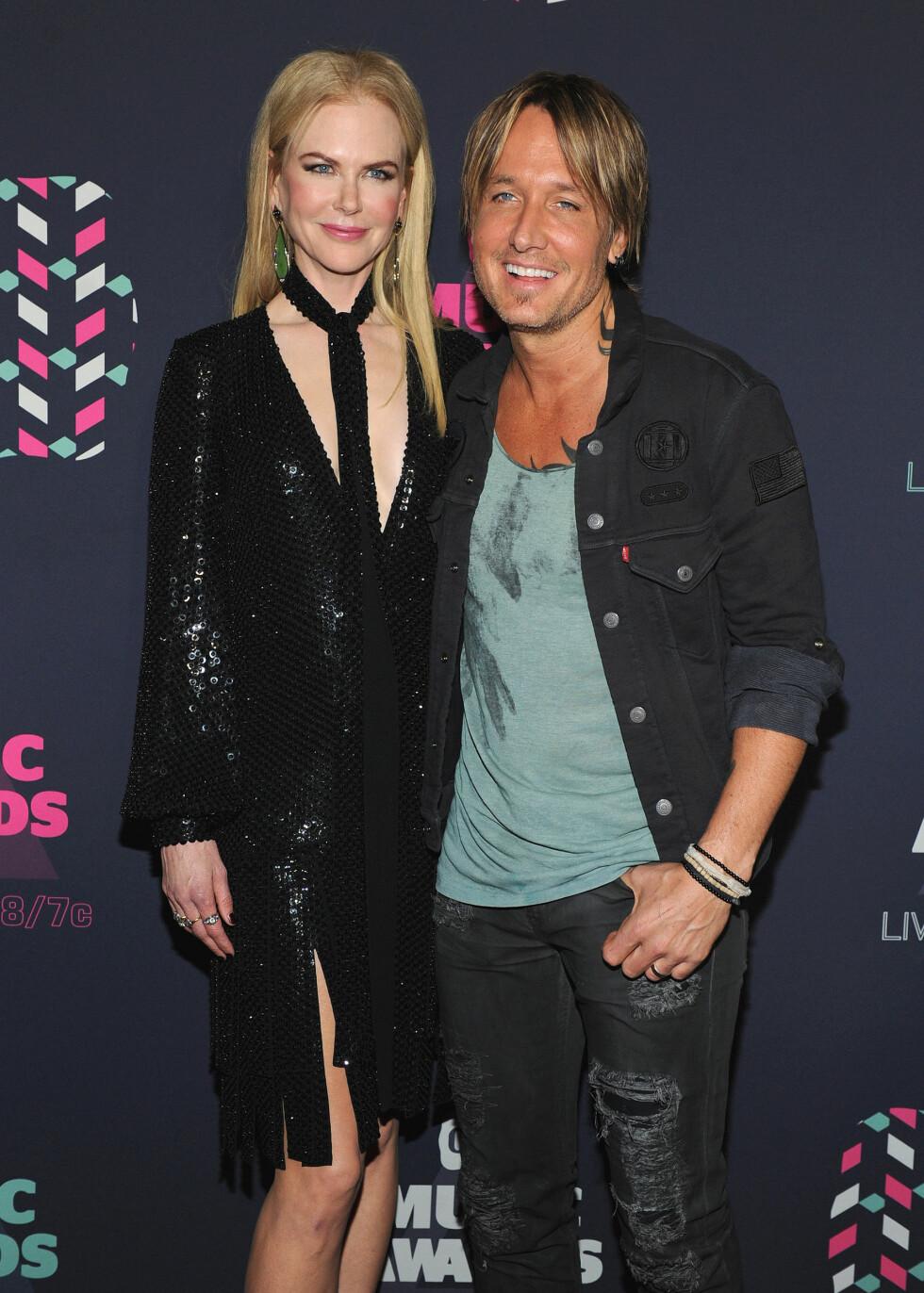 <strong>LYKKELIG GIFT:</strong> Nicole Kidman og countrysangeren Keith Urban har vært lykkelig gift i ti år, selv om de giftet seg etter å kjent hverandre i kun et halvt år.  Foto: Splash News