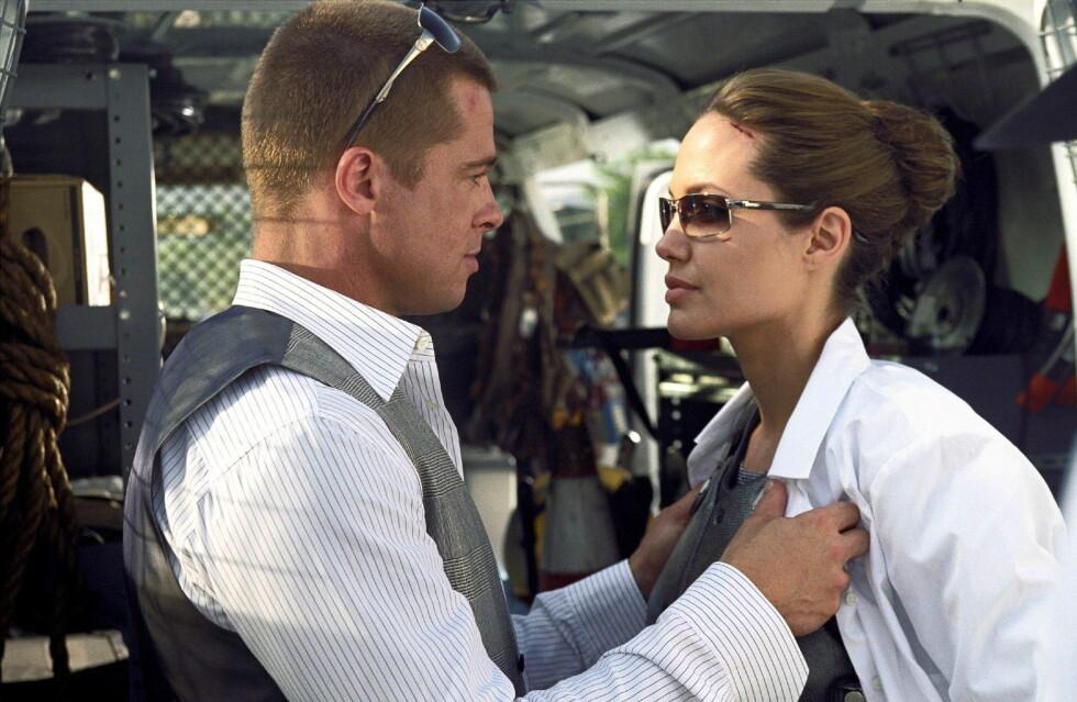 """FALT FOR HVERANDRE PÅ JOBB: Pitt og Jolie har innrømmet at de innledet et forhold med hverandre mens de spilte inn filmen """"Mr & Mrs. Smith"""" i 2004. Brad var den gang gift med Jennifer Aniston.  Foto: wenn.com"""