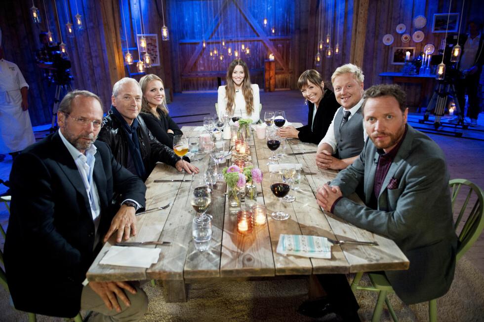 TV-PROFIL: I 2013 var Ole Paus (ytterst t.v) med i TV 2-programmet «Hver gang vi møtes» sammen med Morten Abel, Lene Marlin, Marion Ravn, Anita Skorgan, Kurt Nilsen og Magnus Grønneberg.  Foto: TV 2