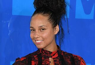 Derfor skilte Alicia Keys seg ut på MTV VMAs