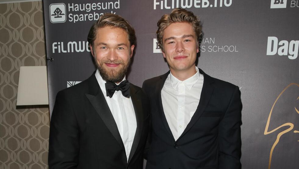 SUPER-DUO: Brødrene Jakob og Jonas Oftebro skryter uhemmet av hverandre og elsker tiden de tilbringer sammen. Her under Amanda-utdelingen i Haugesund på fredag.  Foto: Andreas Fadum