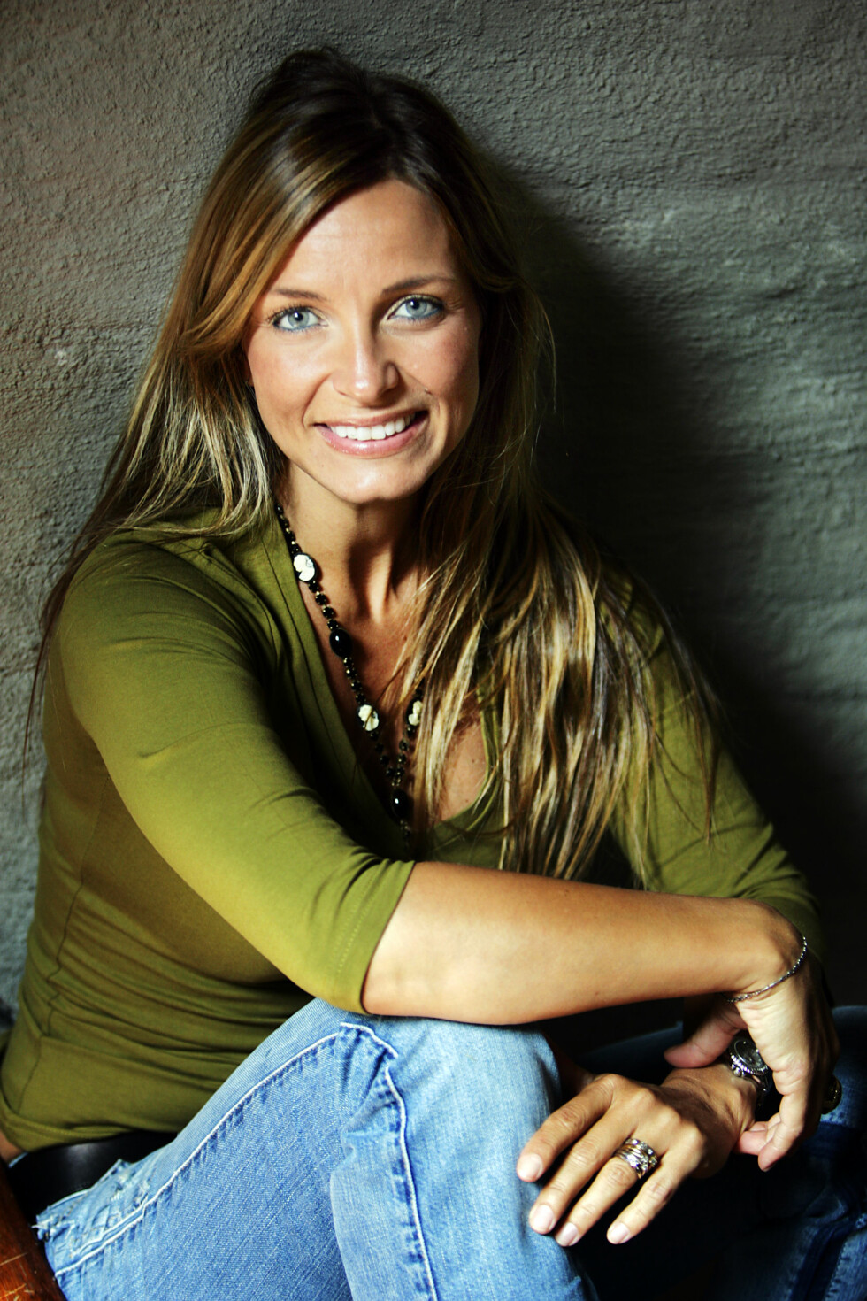 POPULÆR ARTIST: Liv Marit Wedvik gav ut flere album i løpet av sin karriere. Her er hun avbildet i forbindelse med lanseringen av «Riding out the storm» i 2006.  Foto: NTB scanpix