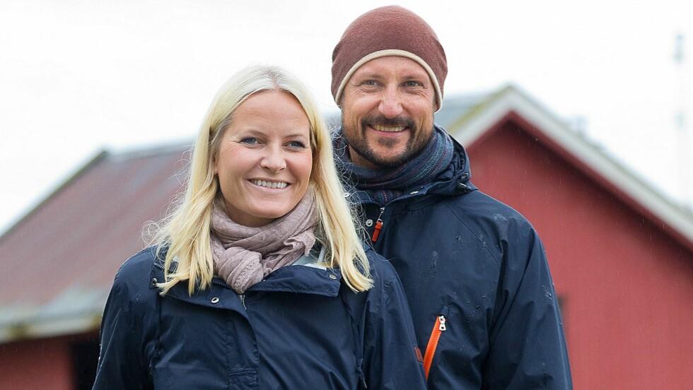 STØDIG PAR: Denne uken feirer kronprinsesse Mette-Marit og kronprins Haakon 15 år som mann og kone.  Foto: DPA