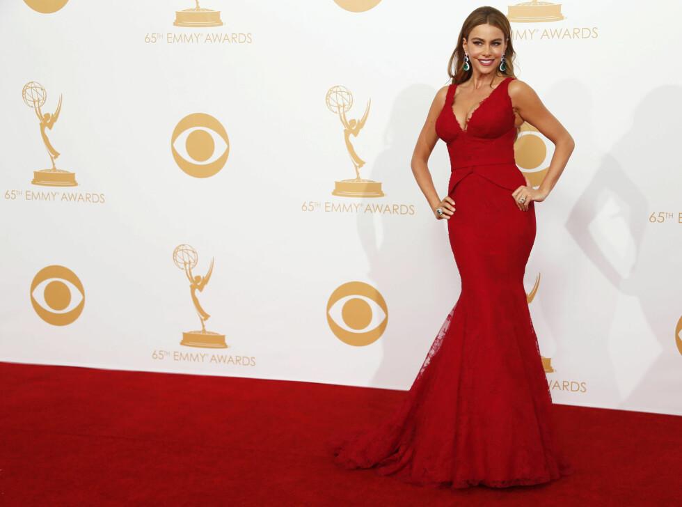 HOT: Den latinamerikanske skjønnheten stråler alltid på rød løper. Her i et rødt antrekk under Emmy Awards i 2013. Foto: NTB Scanpix