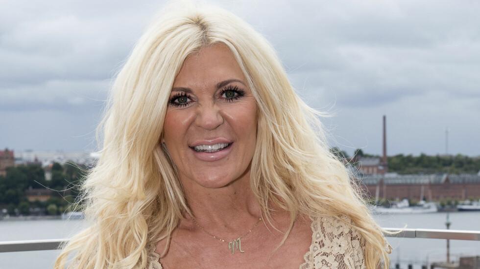 FAMILIEKJÆR: Maria Montazami, kjent fra «Svenske Hollywoodfruer», sier hun bestikker noen av barna for å få dem til å være med i serien. Foto: TT NYHETSBYRÅN