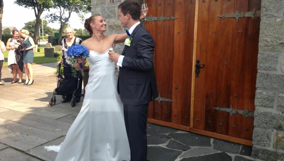 GIFT: Sommeren 2013 giftet idrettsparet seg i Sola kirke. Paret har vært sammen i ti år. Foto: Cathrine Løkken / Se og Hør