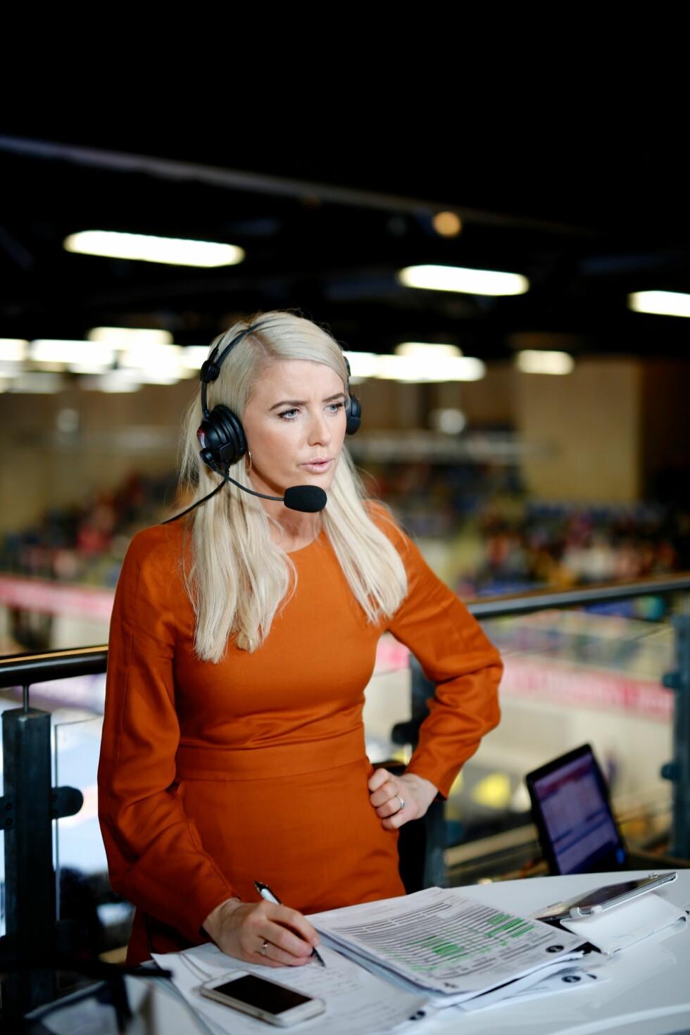 PROFILERT EKSPERT: Randi Gustad avbildet i aksjon under håndball-VM i 2015.  Foto: TV 2