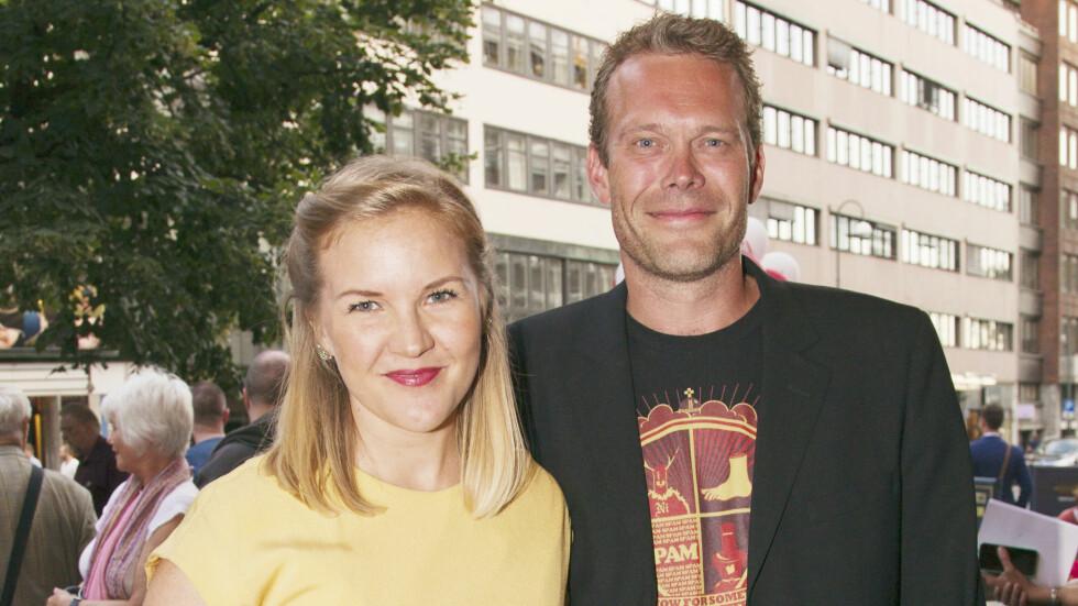 NYGIFTE: Skuespiller Håvard Bakke viste fram sin nye kjæreste, Ida Holten Worsøe på Komiprisen i 2013. Nå tre år senere er de blitt mann og kone.  # Tekstes senere.. Foto: Oddvar Walle Jensen // Se og Hør
