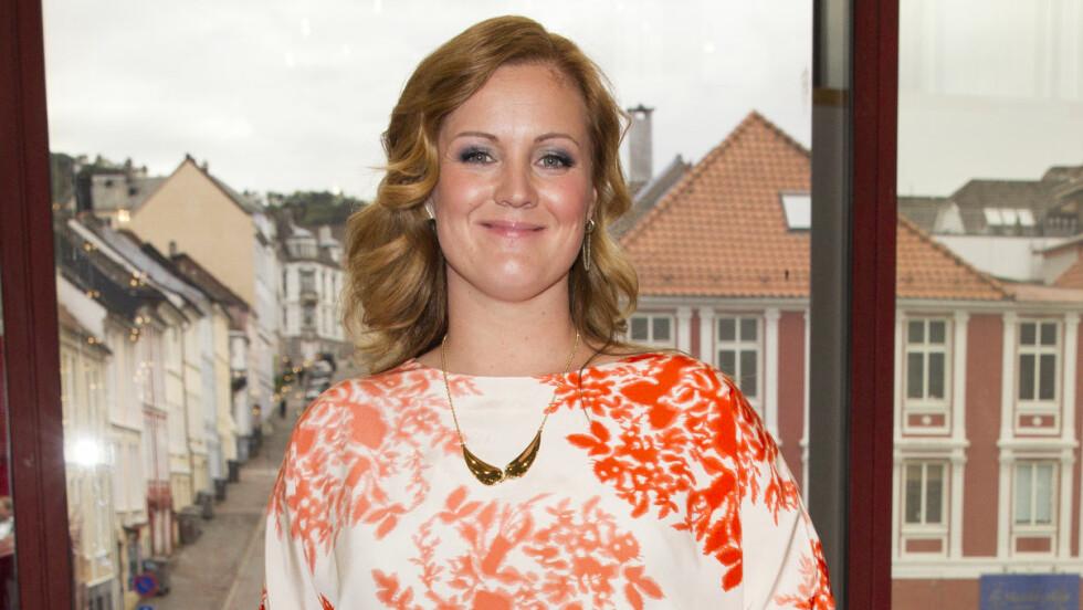 SIRI KRISTIANSEN: Den profilerte NRK-programlederen poserte på rød løper under Gullruten i 2014. Foto: Andreas Fadum // Se og Hør