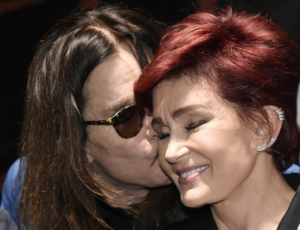 INNE I VARMEN: Sharon har valgt å gi ektemannen en ny sjanse. Foto: Ap