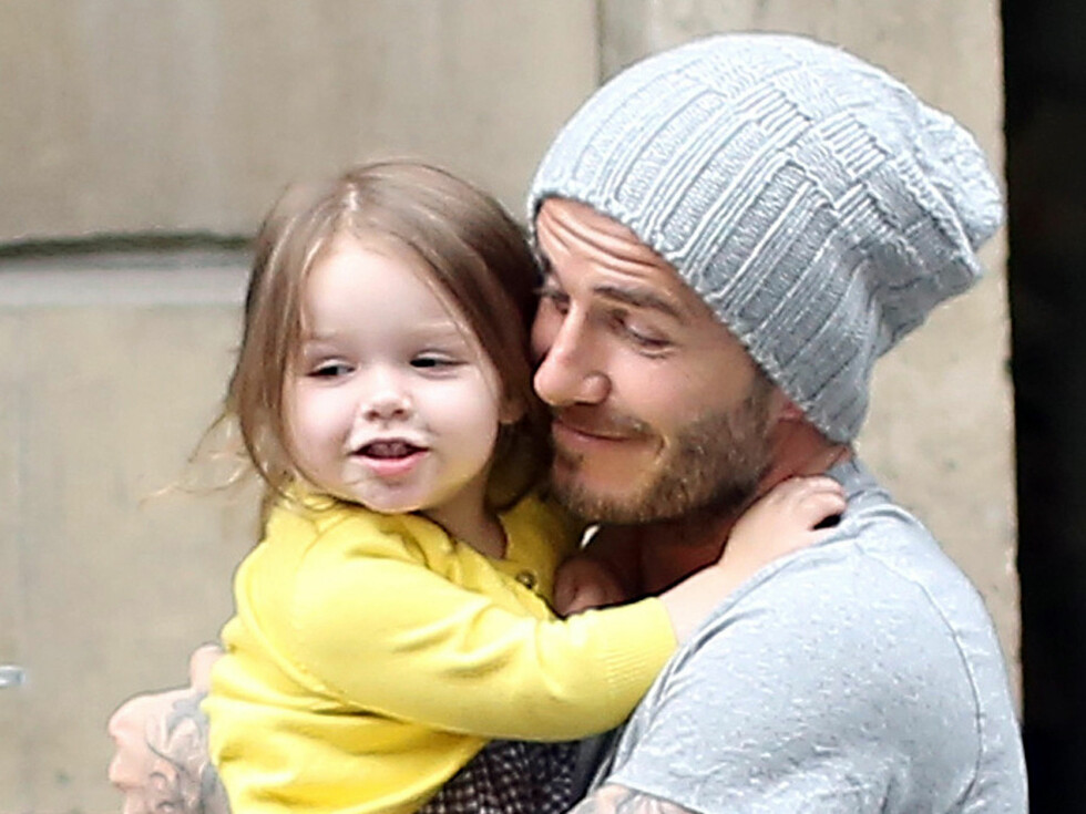 KOS: Harper og David Beckham. Foto: FameFlynet Sweden