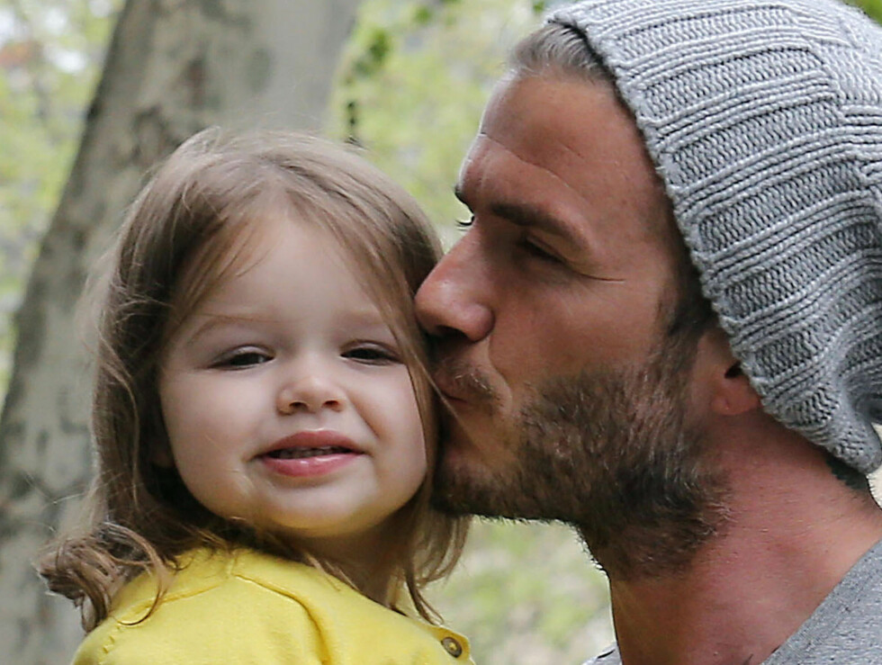 PAPPAKOS: Ingen tvil om at det er sterke bånd mellom far og datter. Foto: FameFlynet Sweden
