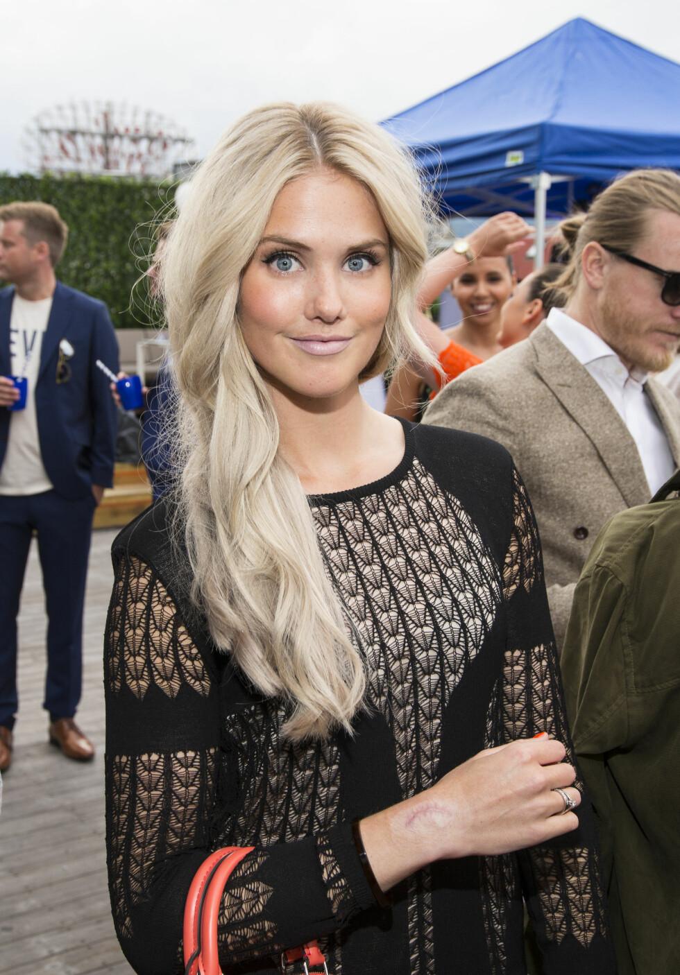 SKJØNNHET: Silje Norendal slo seg løs under magasinet ELLEs sommerfest i Oslo tidligere denne måneden.  Foto: Tor Lindseth