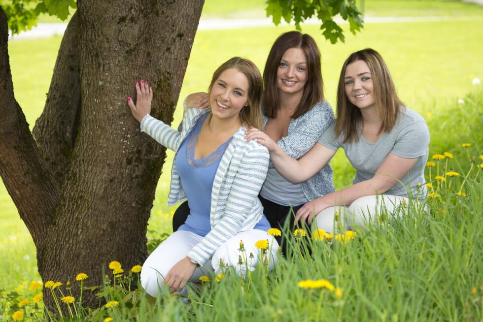 HEIAGJENG: – Det er nesten ikke til å tro den forvandlingen storesøster Liza har gjennomgått, sier Cecilie (t.h.) og Carina. Foto: Morten Eik