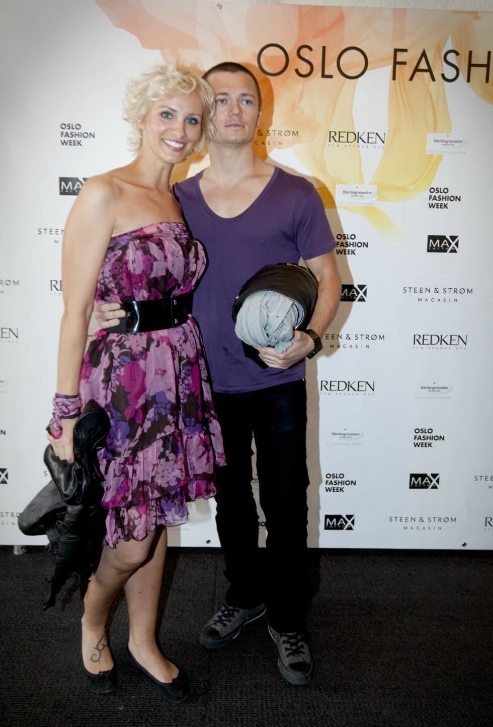 <strong>STØDIG PAR:</strong> Anne Rimmen og Ailo Gaup har vært et par siden 2008. Her er turtelduene under Oslo Fashion Week året etter de ble sammen.  Foto: NTB scanpix