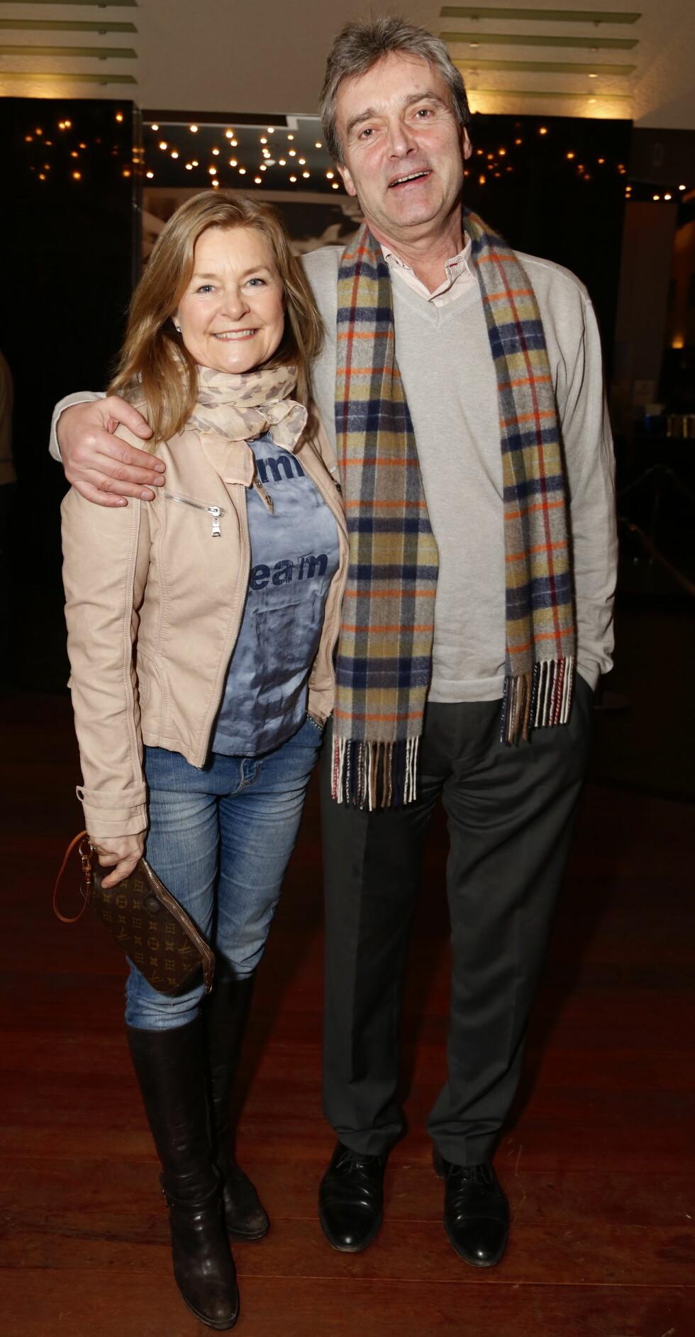 TAKKER FOR STØTTEN: Elisabeth Andreassen mistet ektemannen Tor svært brått mandag denne uken. Neste uke bisettes han fra Ullern kirke i Oslo.  Foto: Se og Hør