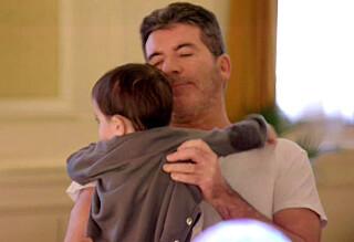 Simon Cowell viser frem sin lille hjerteknuser