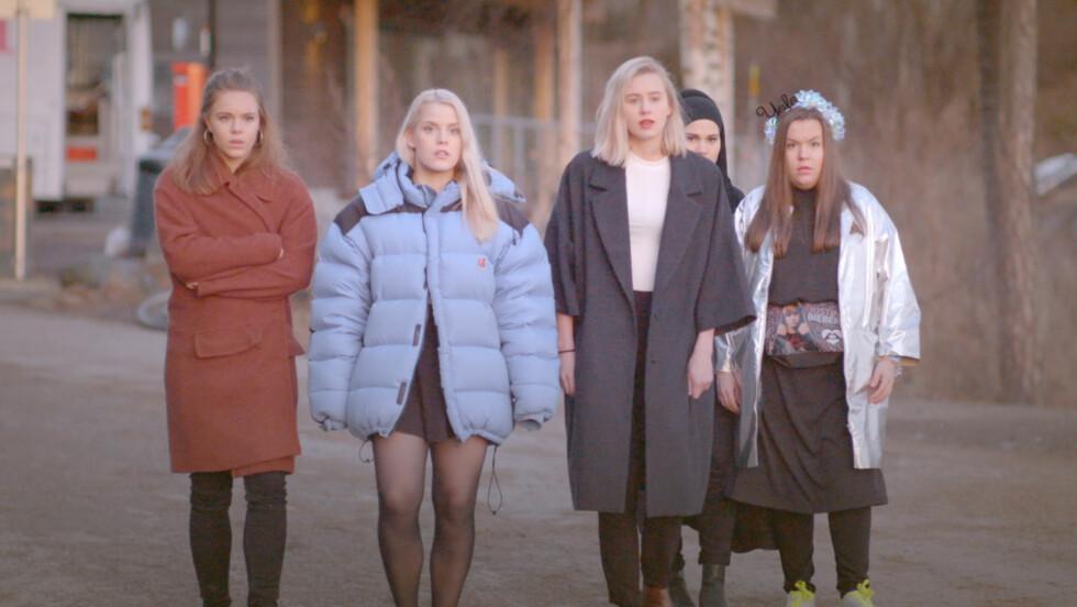 BRAKSUKSESS: Jentegjengen i «Skam» har tatt Norge med storm. Fansen jublet da det ble kjent at det skal spilles inn en tredje sesong.  Foto: NRK