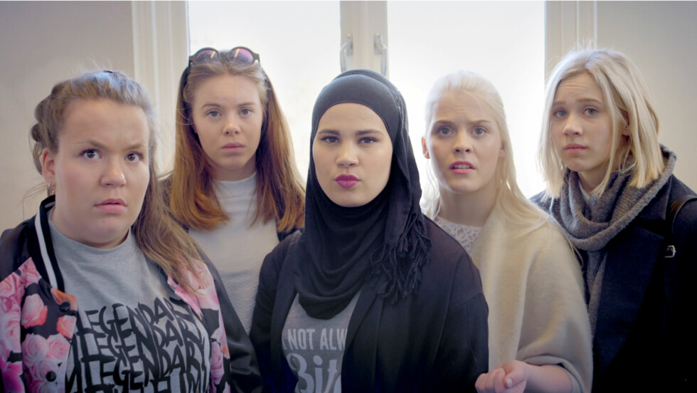 POPULÆR GJENG: NRK-serien «Skam» gjør enorm suksess. f.v.: Chris (Ina Svenningsdal), Eva (Lisa Teige), Sana (Iman Meskini) Vilde (Ulrikke Falch) og Noora (Josefine Frida Pettersen).  Foto: NRK