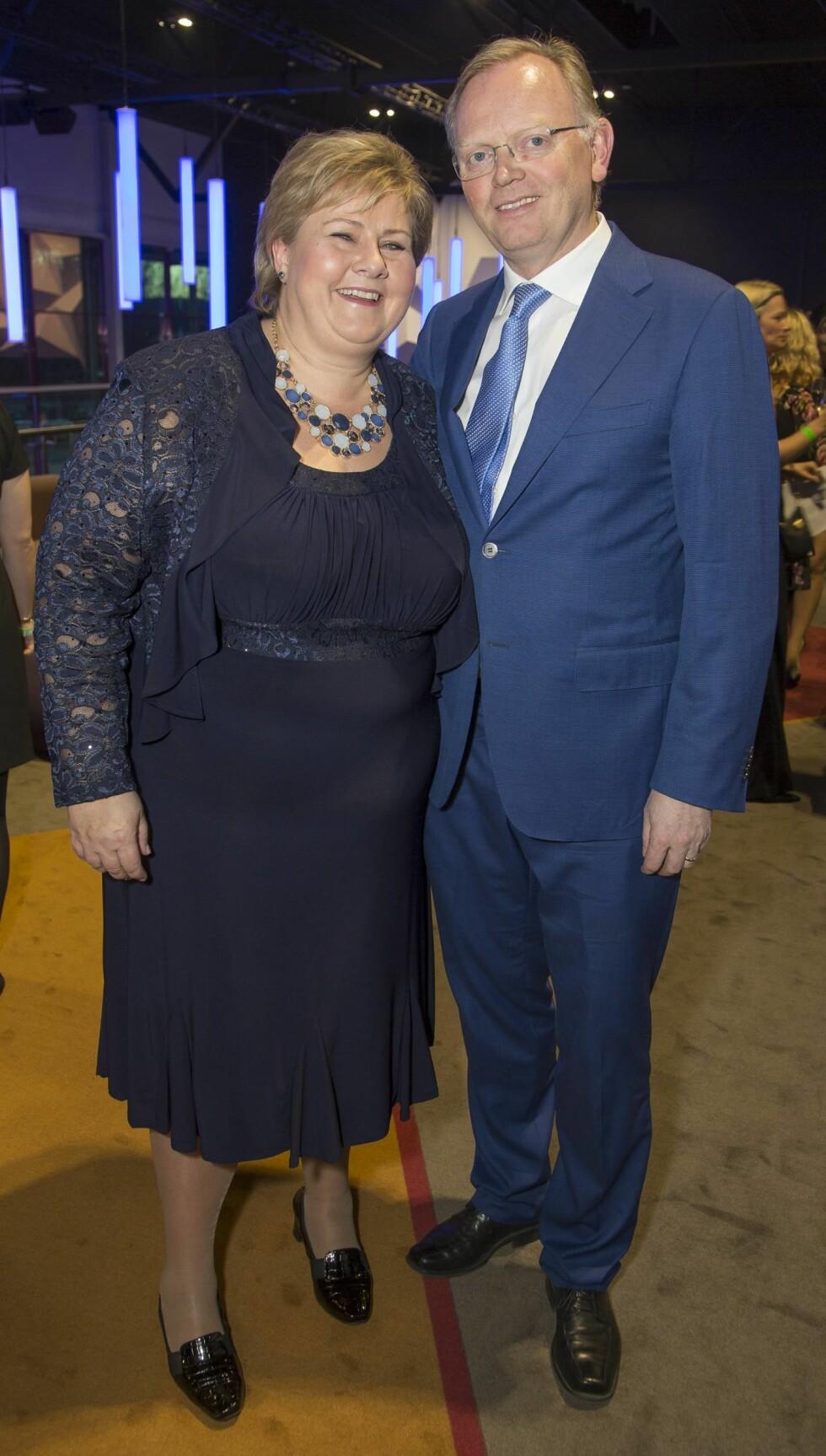 GODT GIFT: Erna Solberg og Sindre Finnes feirer 20 år som ektepar i år. Her er de sammen på Høyres landsmøtemiddag i april 2016. Foto: Tore Skaar/ Se og Hør