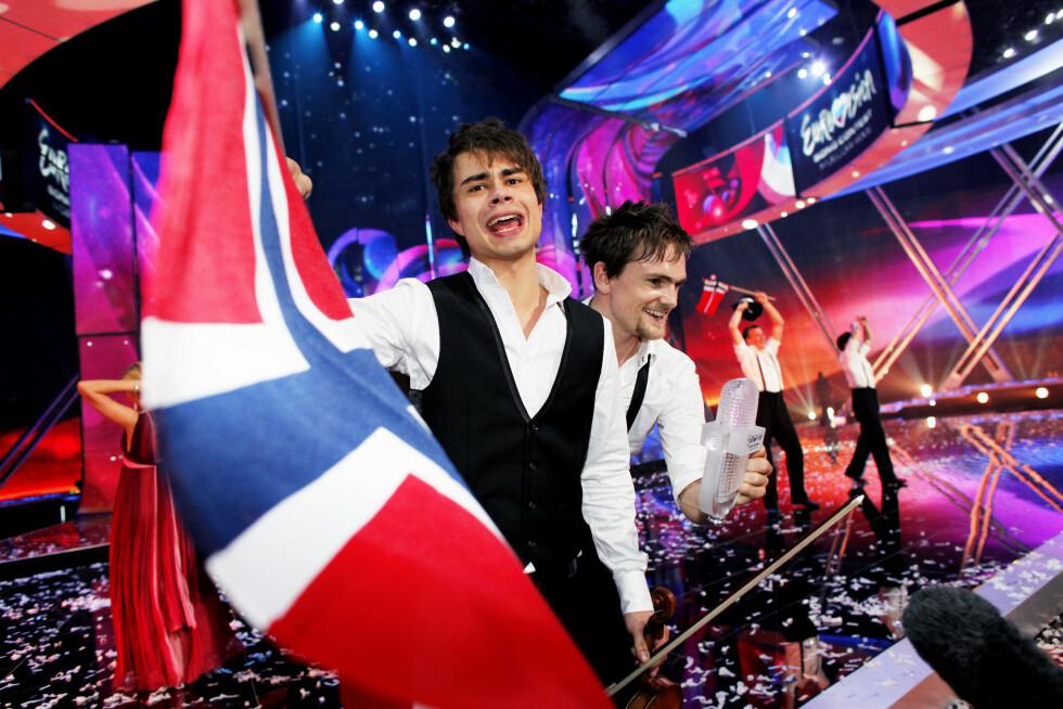 HURRA: Rybak hadde stor grunn til å juble da han slo rekorder med seieren i  Moskva i 2009.  Foto: NTB scanpix
