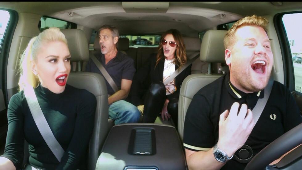 <strong>STJERNEGJENG:</strong> George Clooney og Julia Roberts holdt ingenting tilbake da de ble med Gwen Stefani (foran t.v) og James Corden på biltur.  Foto: wenn.com