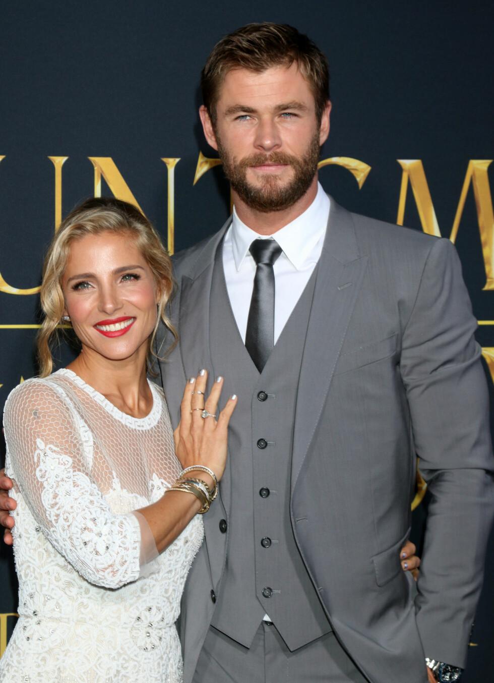 STJERNEPAR: Liams bror Chris Hemsworth er gift med Elsa Pataky. Her er de to på «The Huntsman: Winter´s War»-premieren i Los Angeles 11. april.  Foto: wenn.com