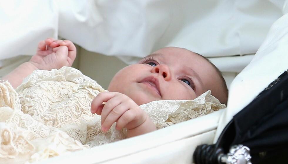 NÅ ER HUN DØPT: Prinsesse Charlotte var i verdens søkelys søndag. Foto: Afp