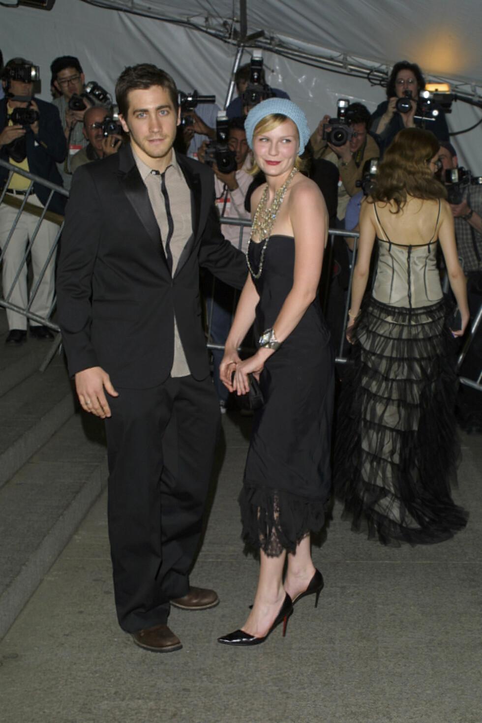 EKSER: På starten av 2000-tallet var Kirsten Dunst sammen med Jake Gyllenhaal i et par år. Her er de to på MET-gallaen i New York i april 2003.  Foto: © Steve Azzara/Corbis