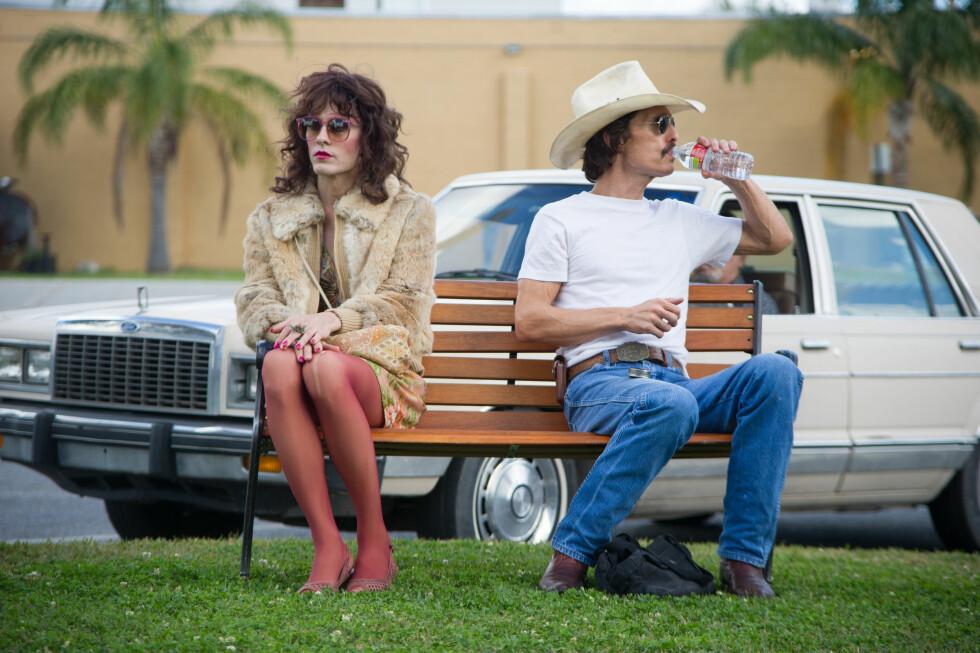 VANT OSCAR: Både Jared Leto og Matthew McConaughey (t.h.) gikk ned flerfoldige kilo for rollene sine i «Dallas Buyers Club» (2013). Foto: SF Norge/ Filmweb.no