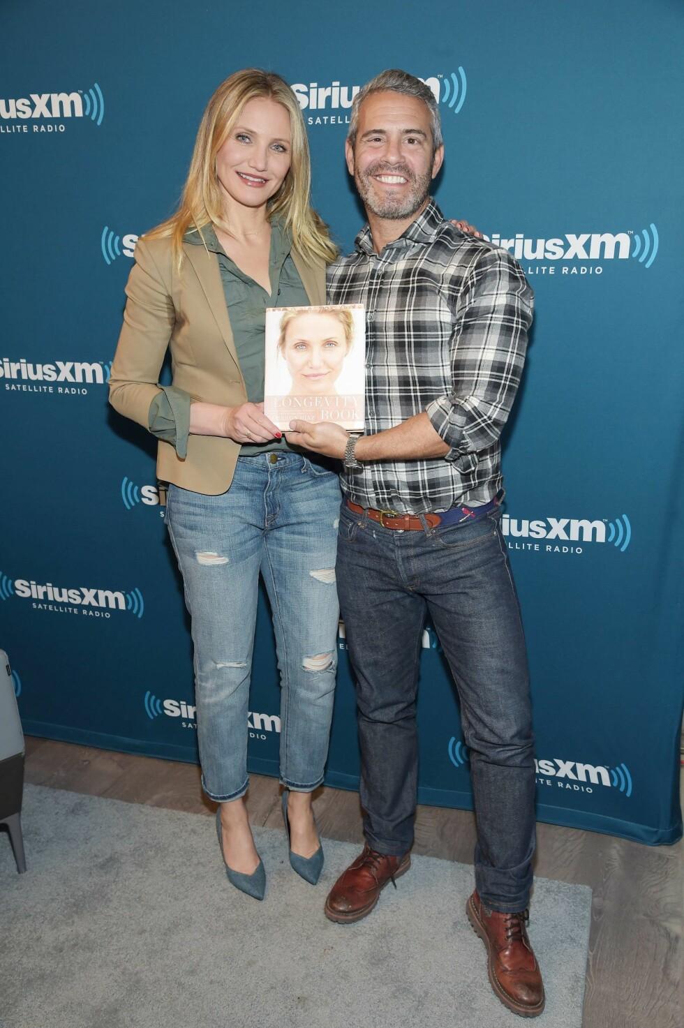 <strong>ÅPNET SEG:</strong> Da Cameron Diaz promoterte sin nye bok, «The Longevity Book», i Andy Cohens radioprogram i New York tirsdag, bød hun overraskende mye på seg selv.  Foto: Afp
