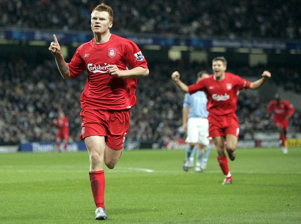 LANG KARRIERE: John Arne Riise har spilt fotball på profesjonelt nivå i over 15 år. Her er han på banen for Liverpool i Manchester i 2005.  Foto: Ap