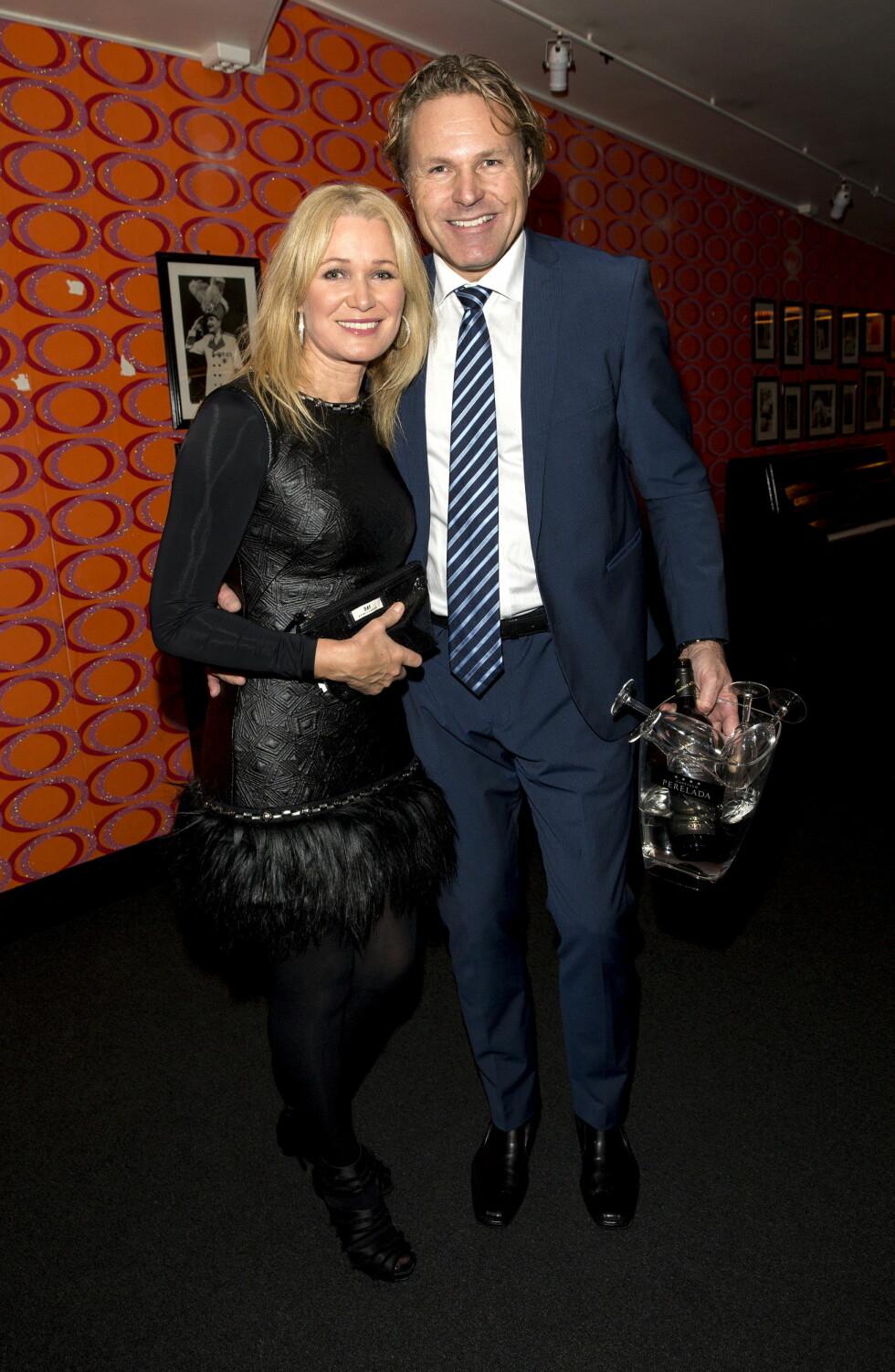 FORELSKET: Benedicte Adrian og kjæresten Jann Finsveen er lykkelige sammen. Her på premiere på juleshowet «Swinging Christmas» på Chat Noir i fjor.  Foto: Andreas Fadum