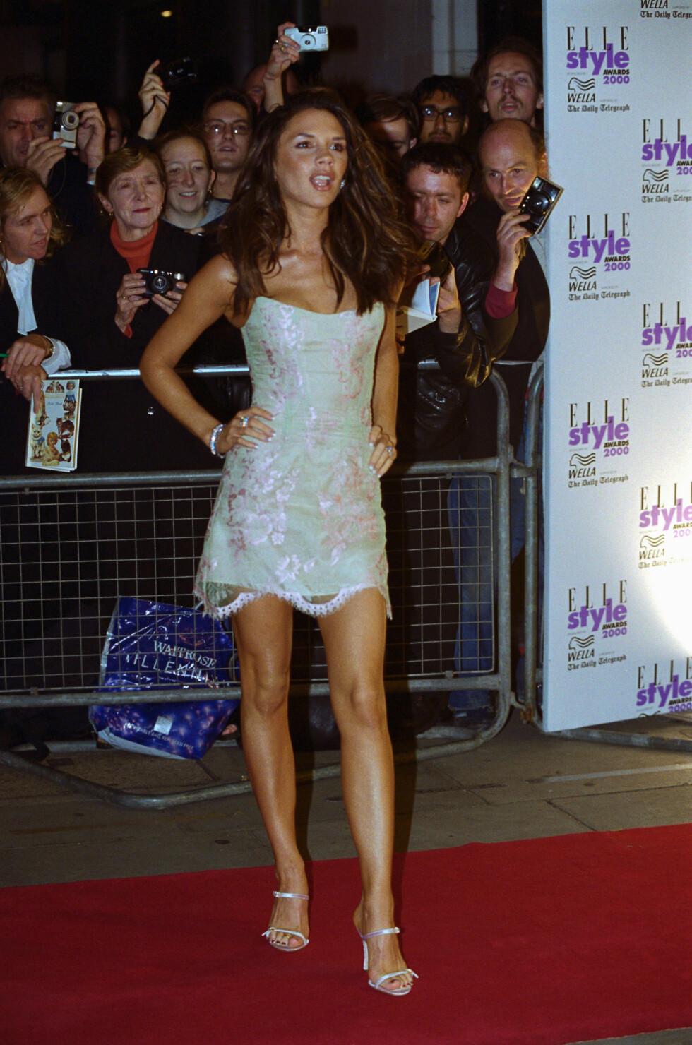 16 ÅR SIDEN: Victoria Beckham har alltid vært opptatt av mote og stil. Her er hun under Elle Style Awards i 2000.  Foto: © Rune Hellestad/CORBIS
