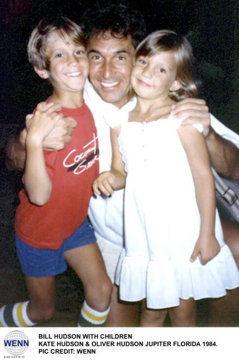ISFRONT OPPSTOD: Her er Oliver og Kate med sin biologiske far, Bill Hudson, i Florida i 1984.  Foto: wenn.com