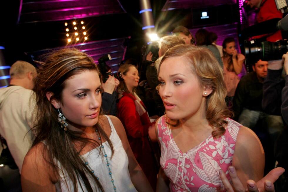 STARTET I IDOL: Eva Weel Skram var med i Idol i 2005. Her sammen med Tone Damli (t.v).  Foto: NTB scanpix